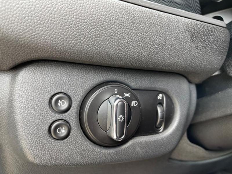 Photo 20 de l'offre de MINI MINI CLUBMAN 2.0 D 150 BVA BUSINESS GPS à 15990€ chez Triplo auto