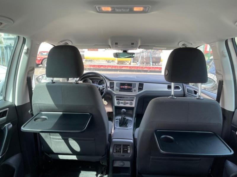 Photo 9 de l'offre de VOLKSWAGEN GOLF SPORTSVAN 2.0 TDI 150 CONFORTLINE   ATTELAGE à 16990€ chez Triplo auto