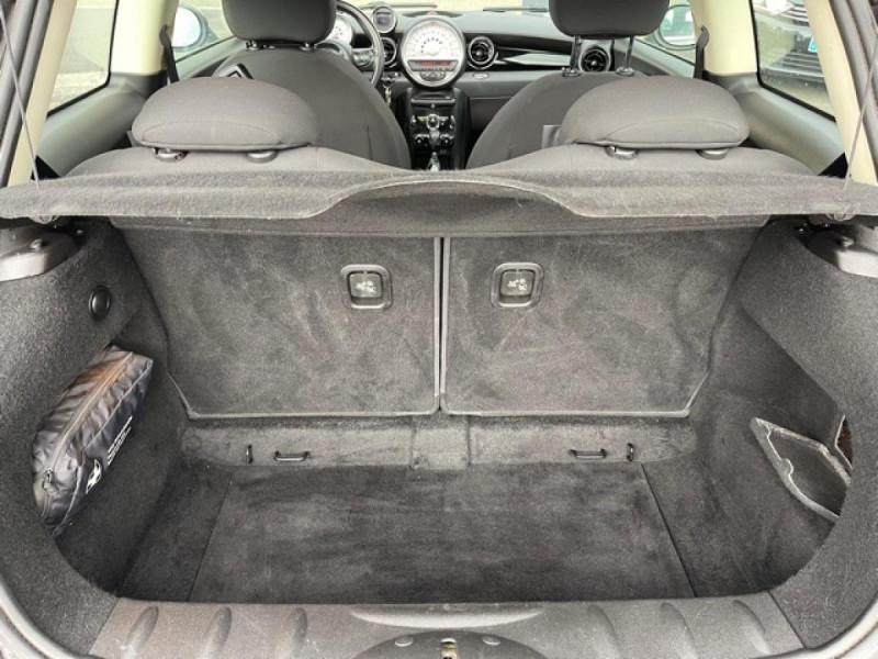 Photo 9 de l'offre de MINI MINI 2.0 D 112 BVA R56 COOPER TOIT OUVRANT à 10990€ chez Triplo auto
