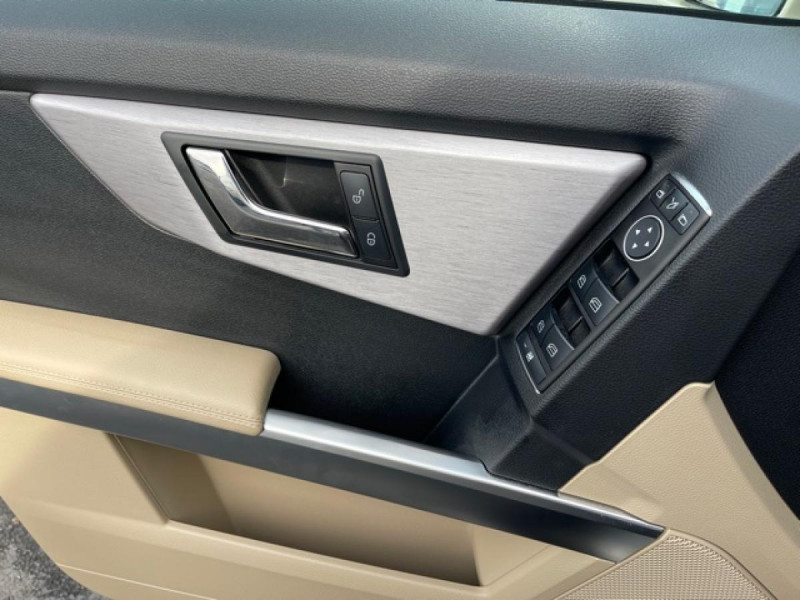 Photo 20 de l'offre de MERCEDES-BENZ GLK 200 CDI FAP BLUEEFFICIENCY  - BM X204  à 16990€ chez Triplo auto