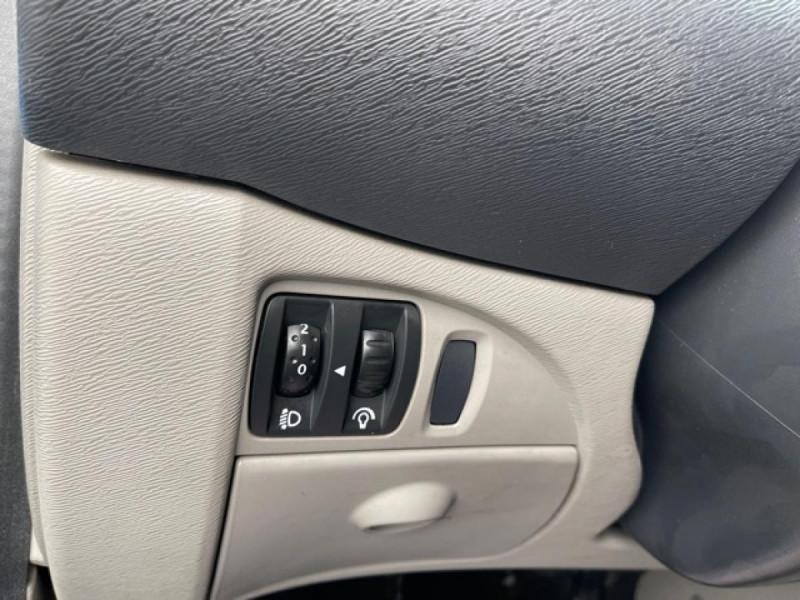 Photo 19 de l'offre de RENAULT TWINGO 1.2I 60 AUTHENTIQUE 63 000KM à 4990€ chez Triplo auto