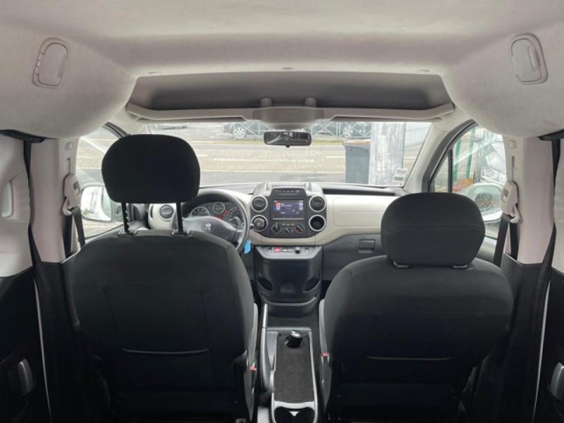 Photo 10 de l'offre de PEUGEOT PARTNER TEPEE 1.6 BLUEHDI S&S 100 ETG6 ACTIVE BOITE AUTO à 11990€ chez Triplo auto
