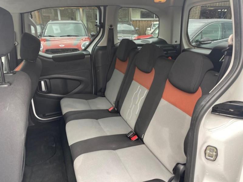 Photo 12 de l'offre de PEUGEOT PARTNER TEPEE 1.6 BLUEHDI S&S 100 ETG6 ACTIVE BOITE AUTO à 11990€ chez Triplo auto