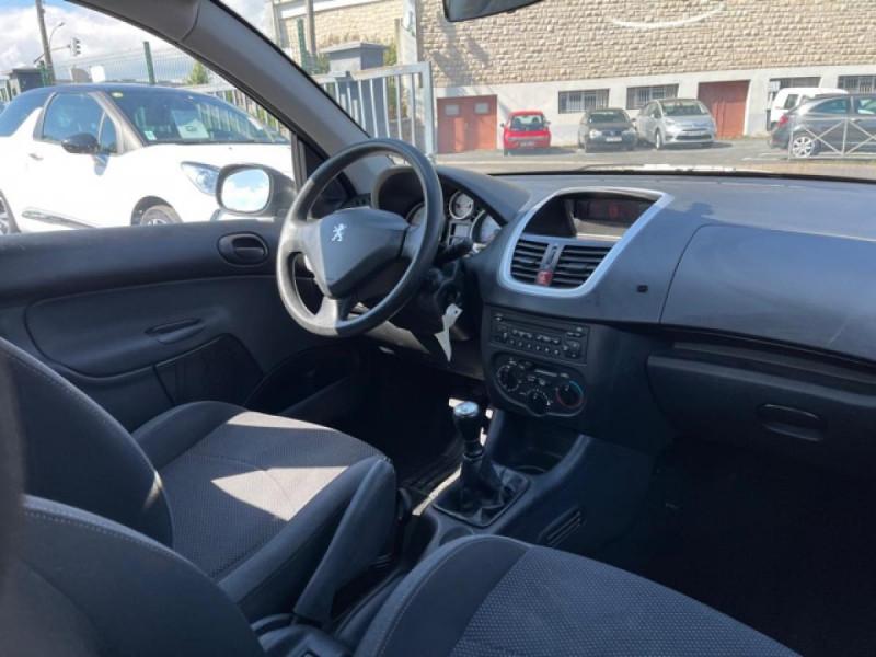 Photo 21 de l'offre de PEUGEOT 206   1.4I TRENDY CLIM 5P à 5990€ chez Triplo auto