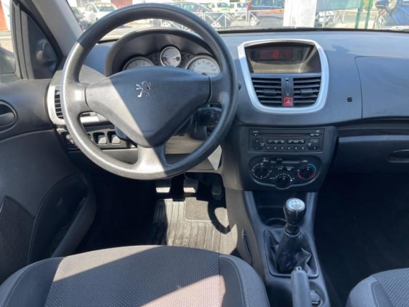 Photo 14 de l'offre de PEUGEOT 206   1.4I TRENDY CLIM 5P à 5990€ chez Triplo auto