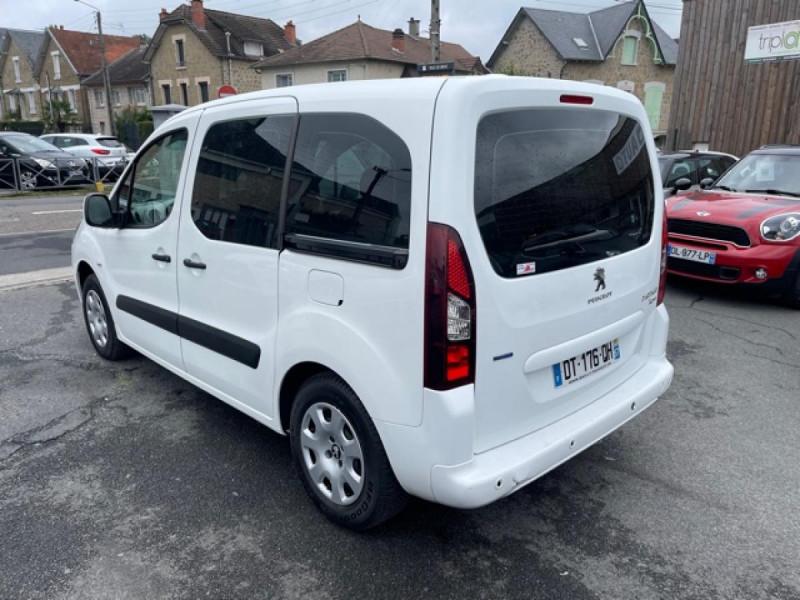 Photo 3 de l'offre de PEUGEOT PARTNER TEPEE 1.6 BLUEHDI S&S 100 ETG6 ACTIVE BOITE AUTO à 11990€ chez Triplo auto