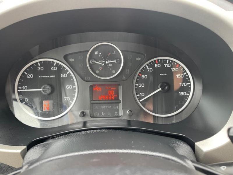 Photo 16 de l'offre de PEUGEOT PARTNER TEPEE 1.6 BLUEHDI S&S 100 ETG6 ACTIVE BOITE AUTO à 11990€ chez Triplo auto