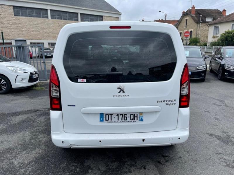 Photo 4 de l'offre de PEUGEOT PARTNER TEPEE 1.6 BLUEHDI S&S 100 ETG6 ACTIVE BOITE AUTO à 11990€ chez Triplo auto
