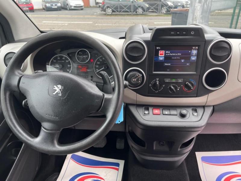 Photo 15 de l'offre de PEUGEOT PARTNER TEPEE 1.6 BLUEHDI S&S 100 ETG6 ACTIVE BOITE AUTO à 11990€ chez Triplo auto