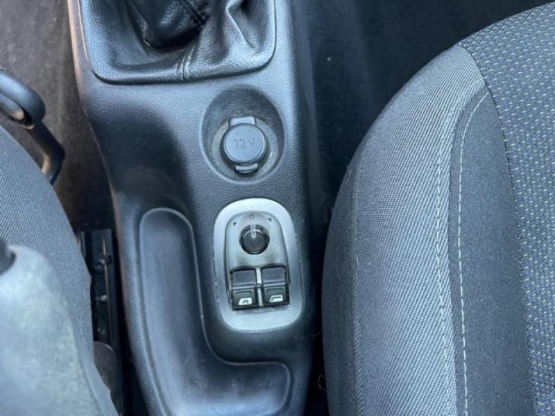 Photo 18 de l'offre de PEUGEOT 206   1.4I TRENDY CLIM 5P à 5990€ chez Triplo auto