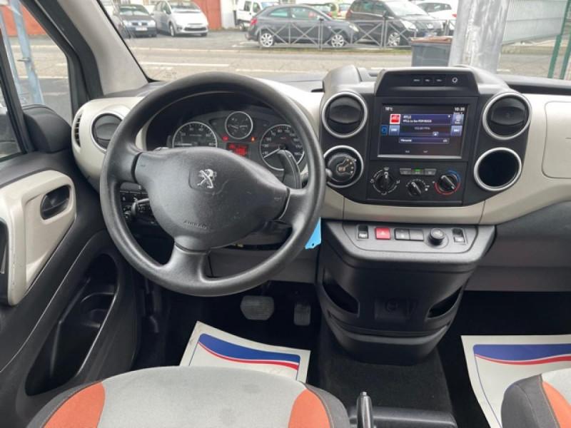 Photo 13 de l'offre de PEUGEOT PARTNER TEPEE 1.6 BLUEHDI S&S 100 ETG6 ACTIVE BOITE AUTO à 11990€ chez Triplo auto