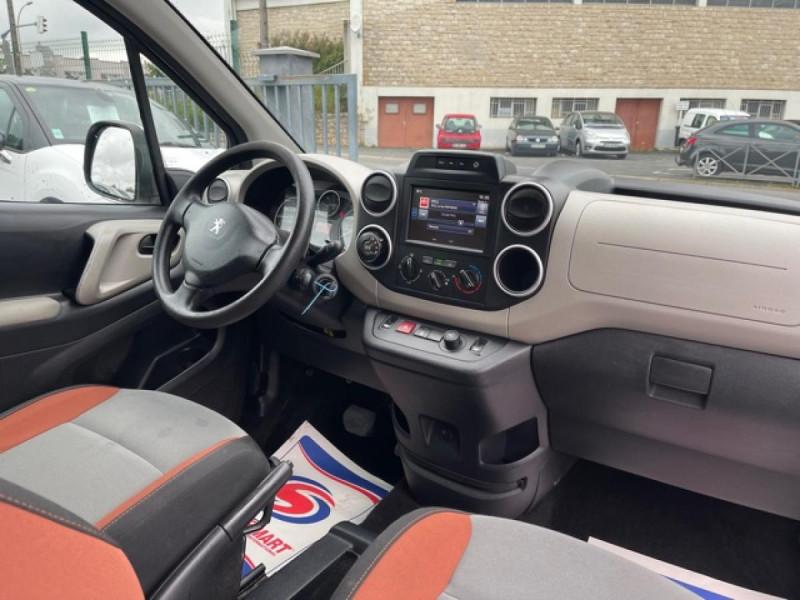 Photo 23 de l'offre de PEUGEOT PARTNER TEPEE 1.6 BLUEHDI S&S 100 ETG6 ACTIVE BOITE AUTO à 11990€ chez Triplo auto