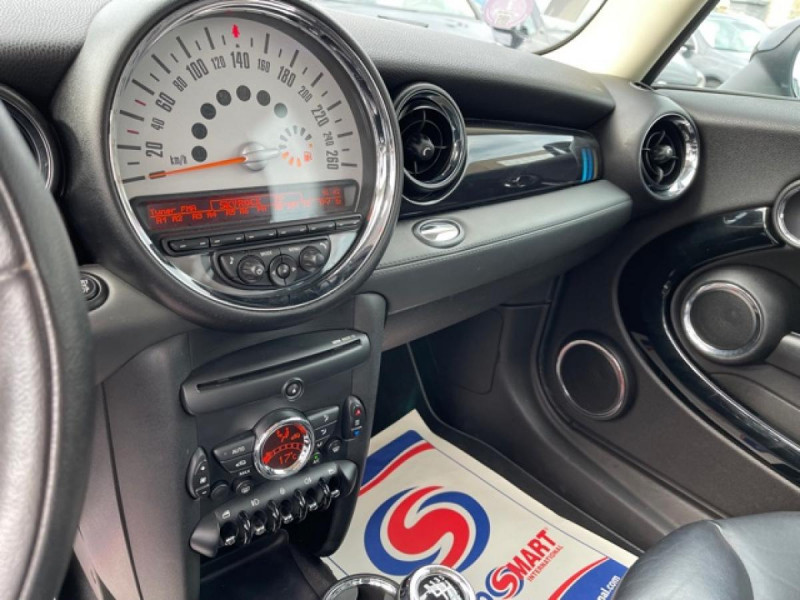 Photo 17 de l'offre de MINI MINI 1.6I - 184 R56 COOPER S BAYSWATER CUIR   CARNET ENTRETIEN A JOUR à 14990€ chez Triplo auto