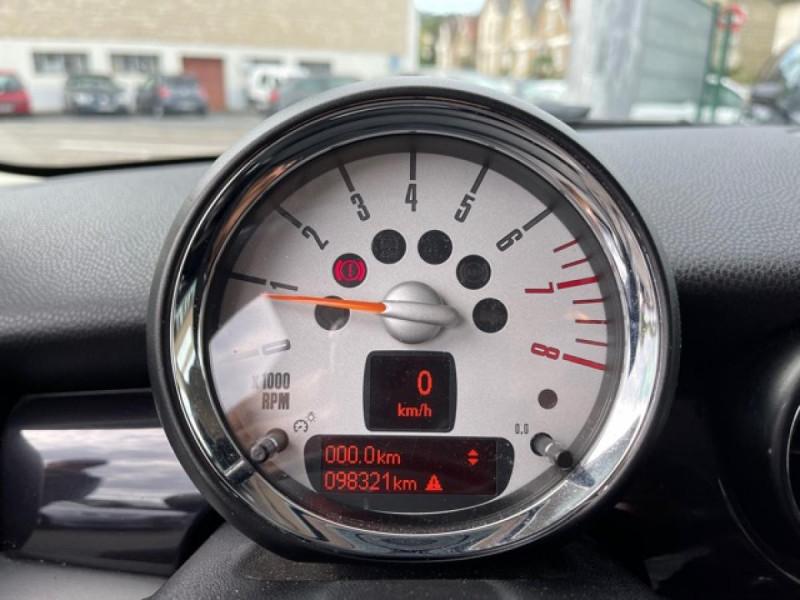 Photo 18 de l'offre de MINI MINI 1.6I - 184 R56 COOPER S BAYSWATER CUIR   CARNET ENTRETIEN A JOUR à 14990€ chez Triplo auto
