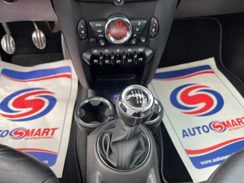 Photo 19 de l'offre de MINI MINI 1.6I - 184 R56 COOPER S BAYSWATER CUIR   CARNET ENTRETIEN A JOUR à 14990€ chez Triplo auto