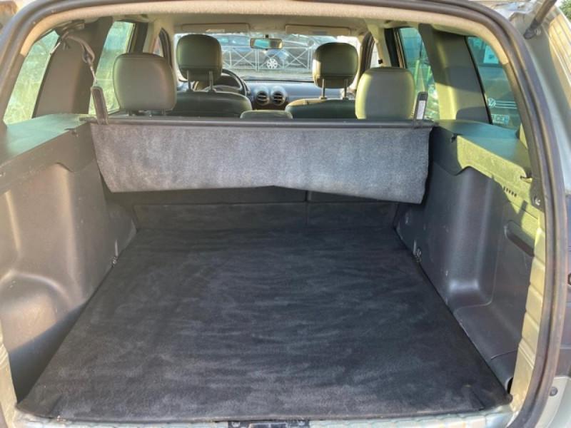 Photo 9 de l'offre de DACIA DUSTER 1.6 16V - 105 4X4 PRESTIGE CLIM CUIR à 8990€ chez Triplo auto