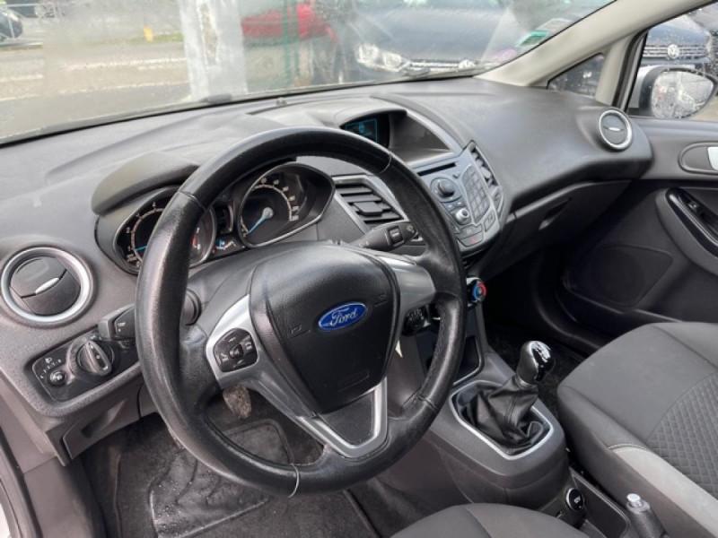 Photo 11 de l'offre de FORD FIESTA 1.25I - 82 TREND 5P CLIM à 7990€ chez Triplo auto