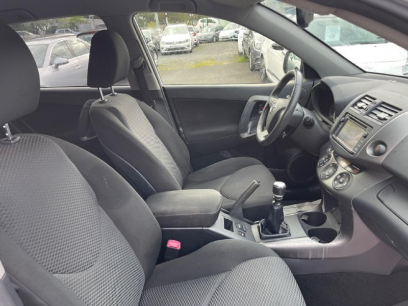 Photo 18 de l'offre de TOYOTA RAV 4 150 D-4D LIMITED EDITION CAMERA   GPS  à 12490€ chez Triplo auto