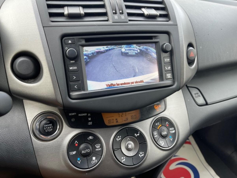 Photo 19 de l'offre de TOYOTA RAV 4 150 D-4D LIMITED EDITION CAMERA   GPS  à 12490€ chez Triplo auto