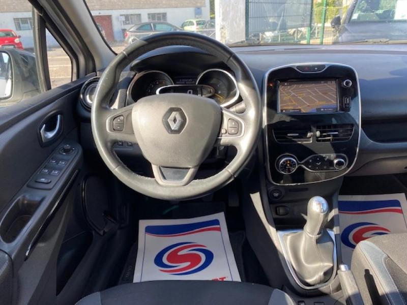 Photo 15 de l'offre de RENAULT CLIO ESTATE 1.5 DCI 90 INTENS GPS   ATTELAGE à 9490€ chez Triplo auto