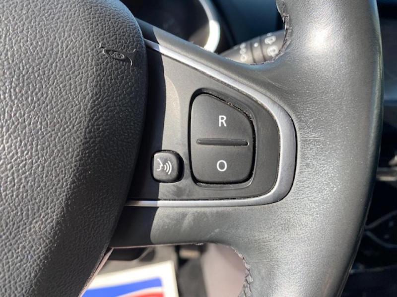 Photo 21 de l'offre de RENAULT CLIO ESTATE 1.5 DCI 90 INTENS GPS   ATTELAGE à 9490€ chez Triplo auto