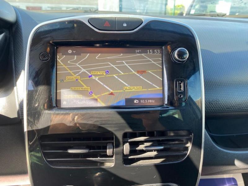 Photo 17 de l'offre de RENAULT CLIO ESTATE 1.5 DCI 90 INTENS GPS   ATTELAGE à 9490€ chez Triplo auto