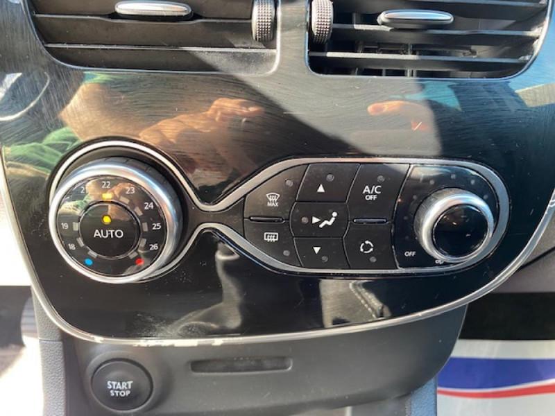 Photo 19 de l'offre de RENAULT CLIO ESTATE 1.5 DCI 90 INTENS GPS   ATTELAGE à 9490€ chez Triplo auto