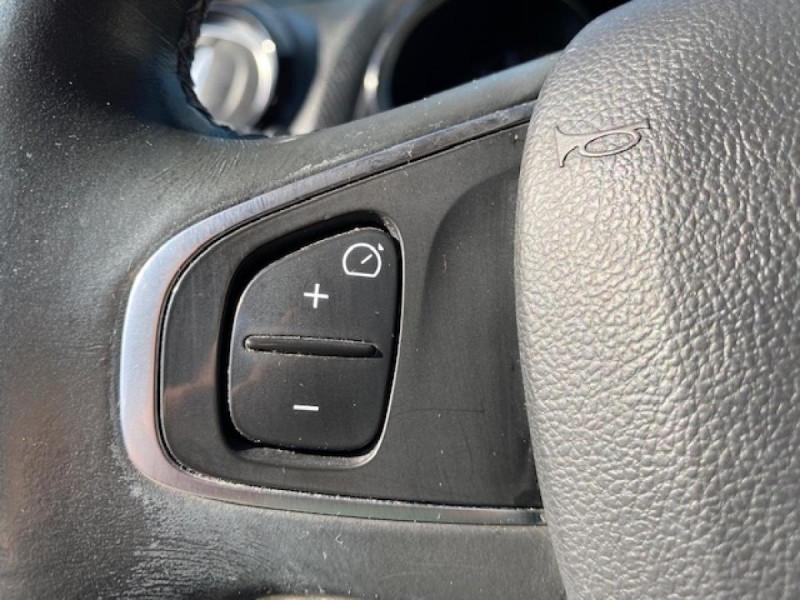 Photo 20 de l'offre de RENAULT CLIO ESTATE 1.5 DCI 90 INTENS GPS   ATTELAGE à 9490€ chez Triplo auto
