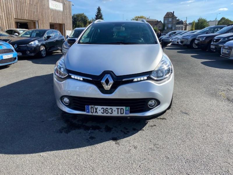 Photo 8 de l'offre de RENAULT CLIO ESTATE 1.5 DCI 90 INTENS GPS   ATTELAGE à 9490€ chez Triplo auto