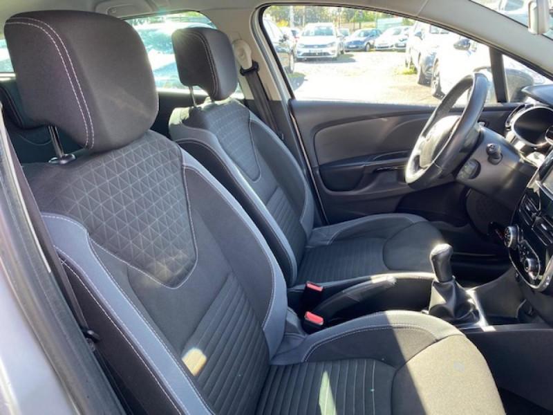 Photo 14 de l'offre de RENAULT CLIO ESTATE 1.5 DCI 90 INTENS GPS   ATTELAGE à 9490€ chez Triplo auto