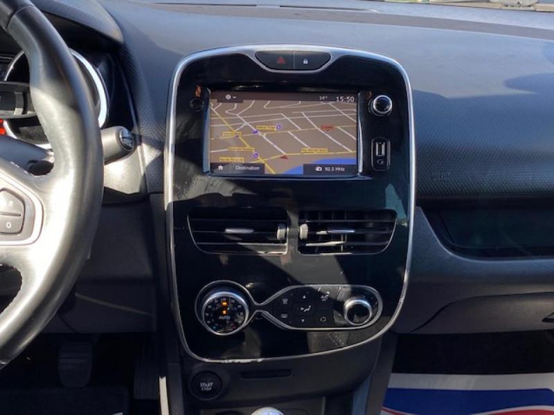 Photo 16 de l'offre de RENAULT CLIO ESTATE 1.5 DCI 90 INTENS GPS   ATTELAGE à 9490€ chez Triplo auto