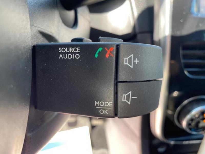 Photo 22 de l'offre de RENAULT CLIO ESTATE 1.5 DCI 90 INTENS GPS   ATTELAGE à 9490€ chez Triplo auto