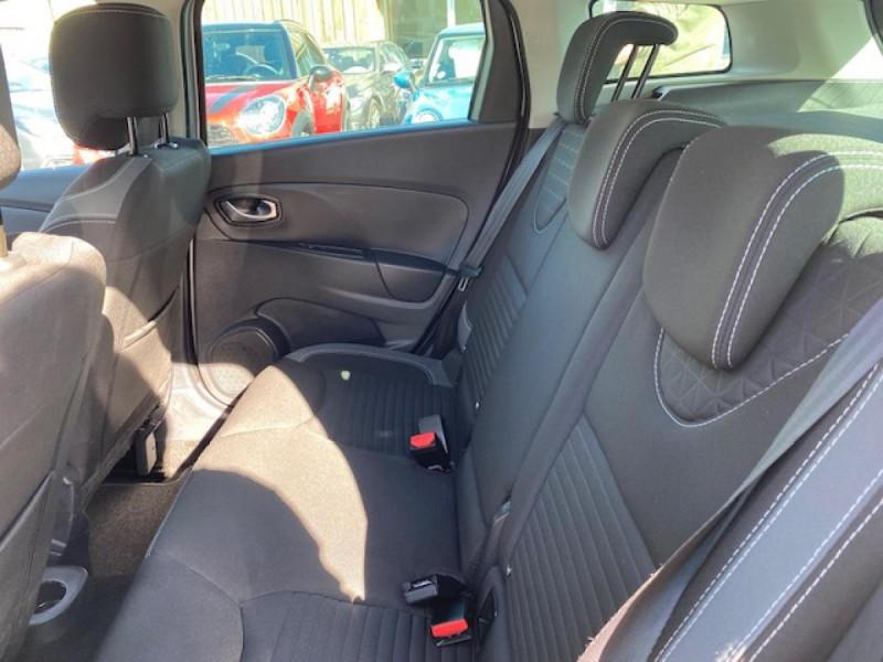 Photo 11 de l'offre de RENAULT CLIO ESTATE 1.5 DCI 90 INTENS GPS   ATTELAGE à 9490€ chez Triplo auto