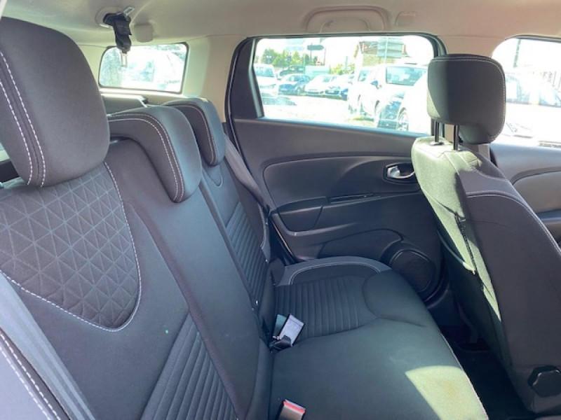 Photo 12 de l'offre de RENAULT CLIO ESTATE 1.5 DCI 90 INTENS GPS   ATTELAGE à 9490€ chez Triplo auto