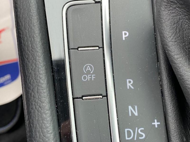 Photo 24 de l'offre de VOLKSWAGEN GOLF VII 1.6 TDI 115 DSG 7  CONFORTLINE BUSINESS GPS à 18490€ chez Triplo auto