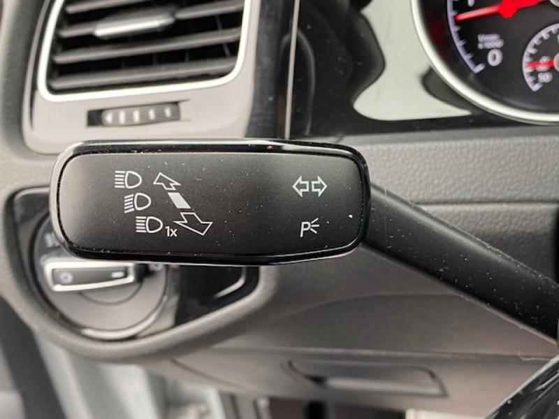 Photo 32 de l'offre de VOLKSWAGEN GOLF VII 1.6 TDI 115 DSG 7  CONFORTLINE BUSINESS GPS à 18490€ chez Triplo auto