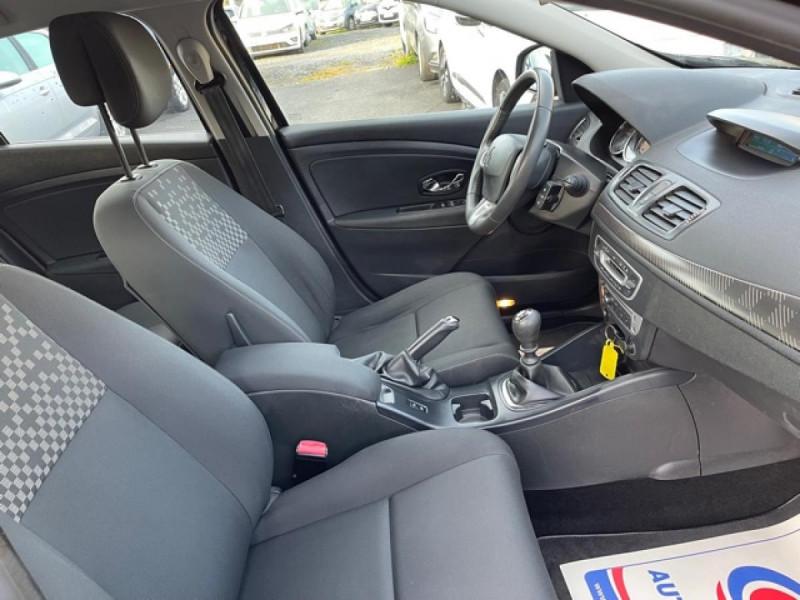 Photo 23 de l'offre de RENAULT MEGANE 1.2 ENERGY TCE 115 EXPRESSION CLIM à 7990€ chez Triplo auto