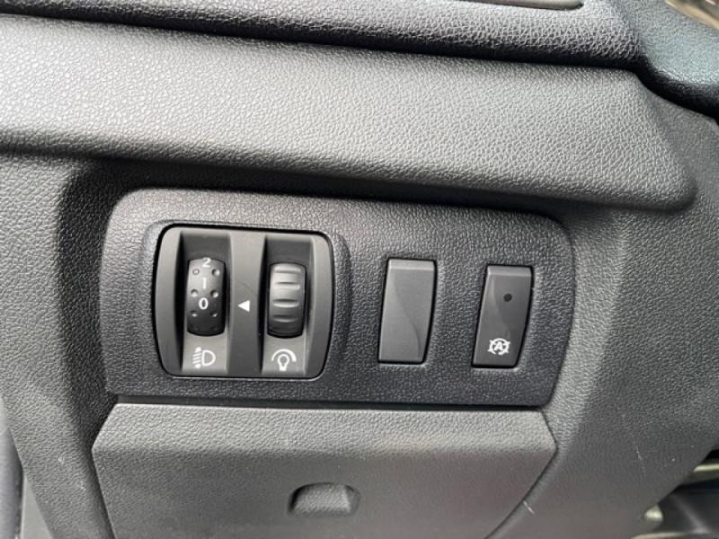 Photo 25 de l'offre de RENAULT MEGANE 1.2 ENERGY TCE 115 EXPRESSION CLIM à 7990€ chez Triplo auto