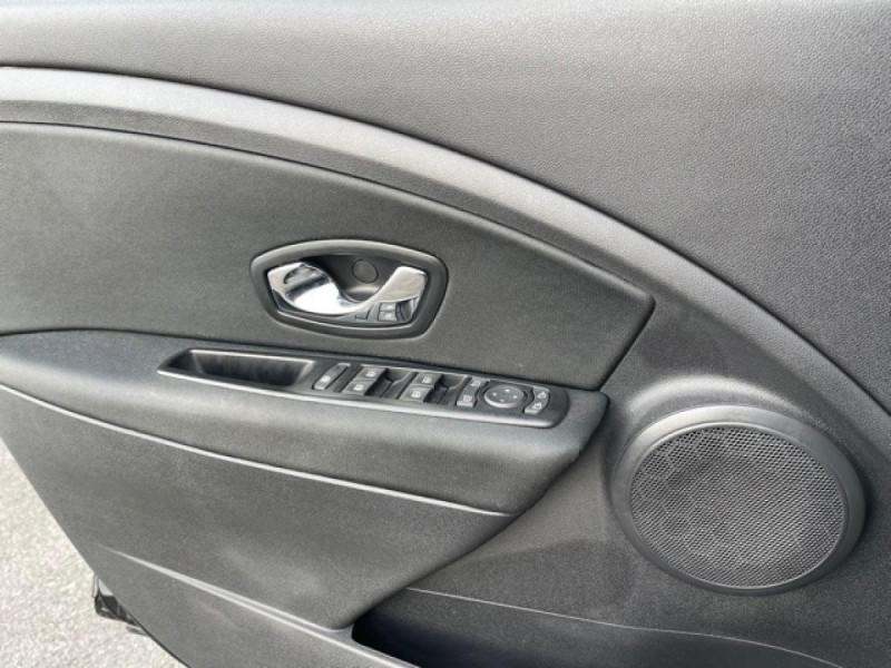 Photo 21 de l'offre de RENAULT MEGANE 1.2 ENERGY TCE 115 EXPRESSION CLIM à 7990€ chez Triplo auto