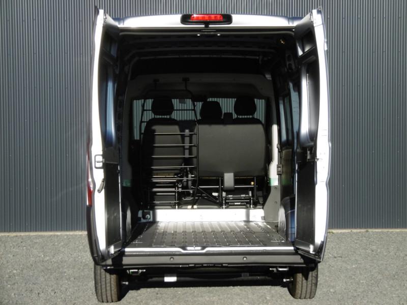 Photo 6 de l'offre de PEUGEOT BOXER FOURGON TOLE 435 L2H2 PREMIUM à 29667€ chez Centrale auto marché Périgueux