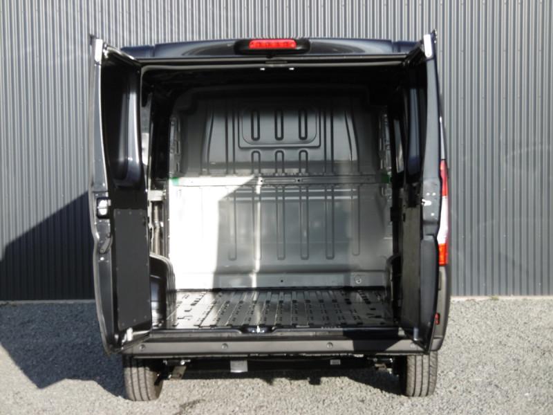 Photo 6 de l'offre de PEUGEOT BOXER FOURGON TOLE L1H1 PREMIUM à 27321€ chez Centrale auto marché Périgueux