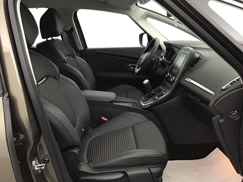 Photo 6 de l'offre de RENAULT GRAND SCENIC 4 FINAL EDITION à 28780€ chez Centrale auto marché Périgueux