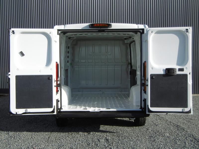 Photo 6 de l'offre de CITROEN JUMPER FT 35 L1H1 CLUB à 26853€ chez Centrale auto marché Périgueux
