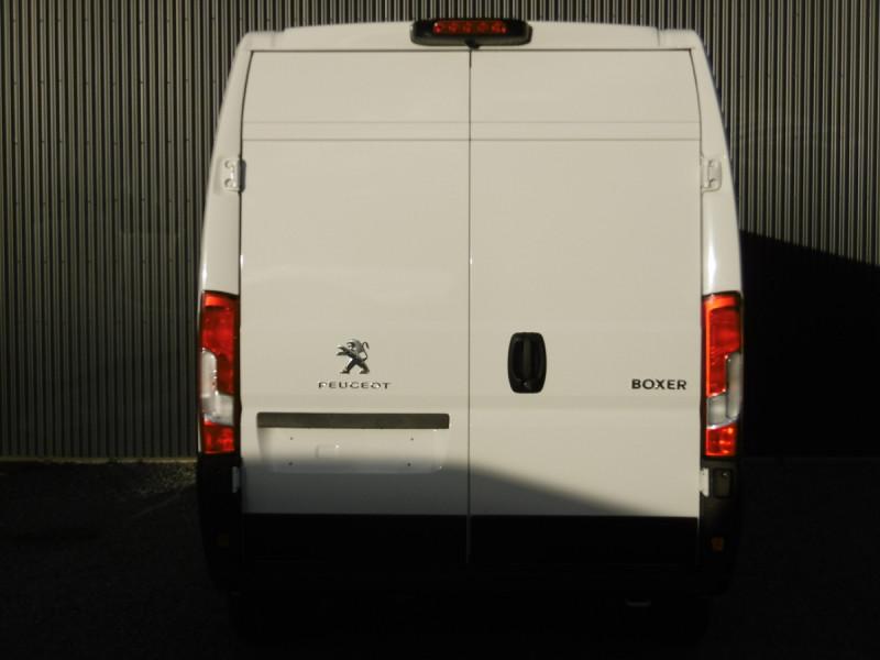 Photo 5 de l'offre de PEUGEOT BOXER FOURGON TOLE L2H2 ASPHALT à 29342€ chez Centrale auto marché Périgueux