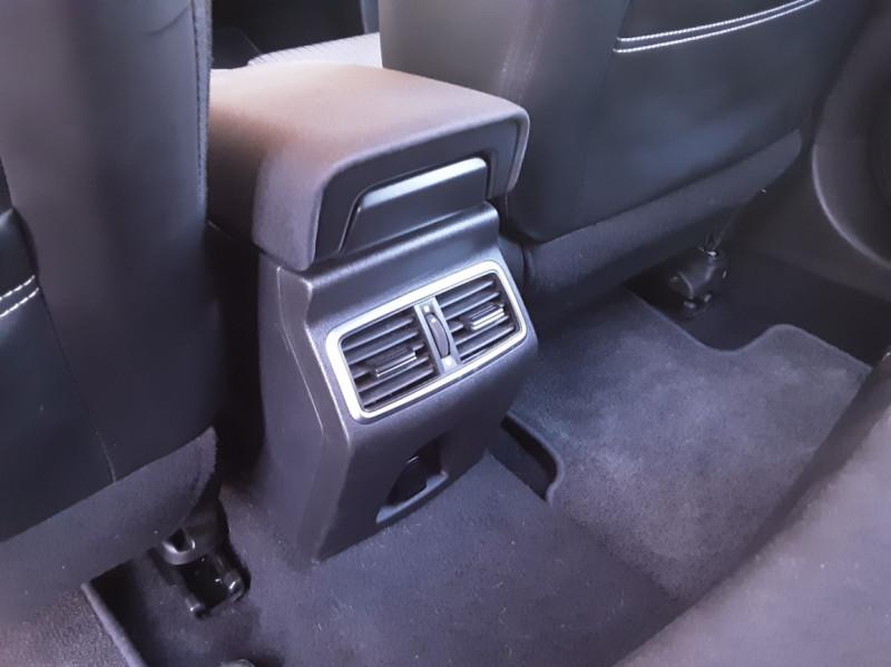 Photo 23 de l'offre de RENAULT MEGANE Mégane IV Estate Blue dCi 115 Business à 13990€ chez Centrale Auto Marché Mussidan