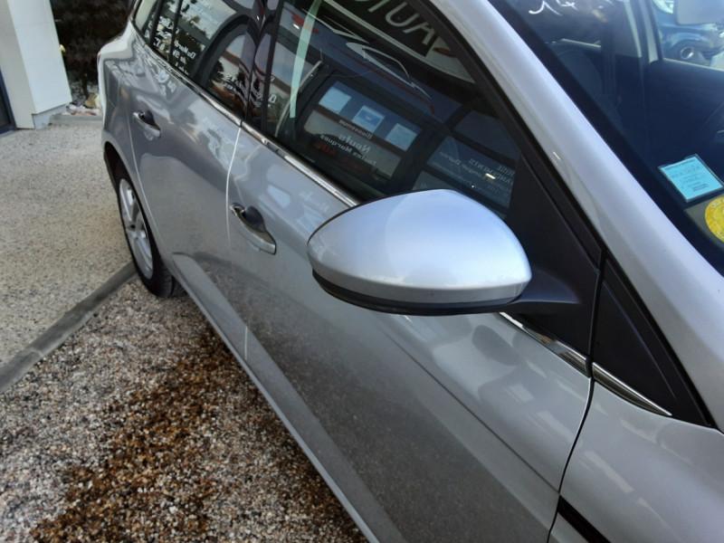 Photo 30 de l'offre de RENAULT MEGANE Mégane IV Estate Blue dCi 115 Business à 13990€ chez Centrale Auto Marché Mussidan