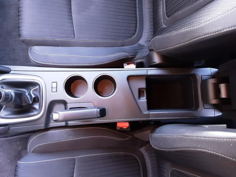 Photo 22 de l'offre de RENAULT MEGANE Mégane IV Estate Blue dCi 115 Business à 13990€ chez Centrale Auto Marché Mussidan