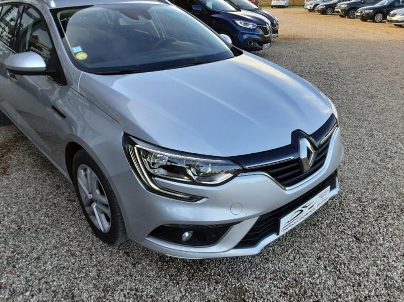 Photo 29 de l'offre de RENAULT MEGANE Mégane IV Estate Blue dCi 115 Business à 13990€ chez Centrale Auto Marché Mussidan