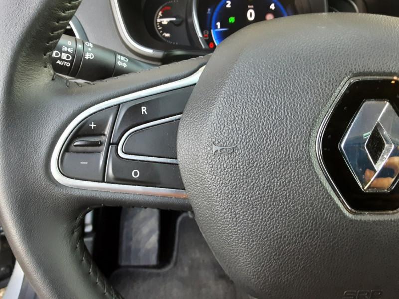 Photo 9 de l'offre de RENAULT MEGANE Mégane IV Estate Blue dCi 115 Business à 13990€ chez Centrale Auto Marché Mussidan