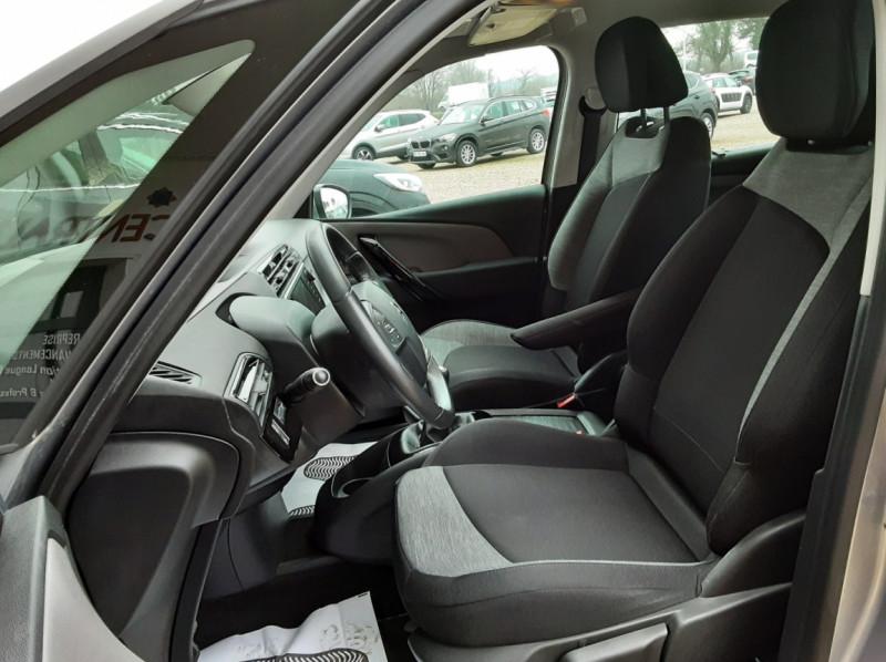 Photo 18 de l'offre de CITROEN C4 PICASSO C4 Picasso BlueHDi 120 SetS Feel à 14990€ chez Centrale Auto Marché Mussidan